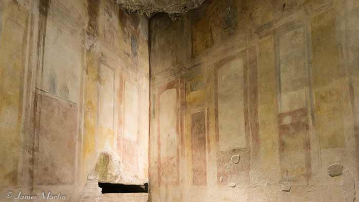 golden house frescoes
