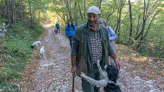 truffle hunt umbria