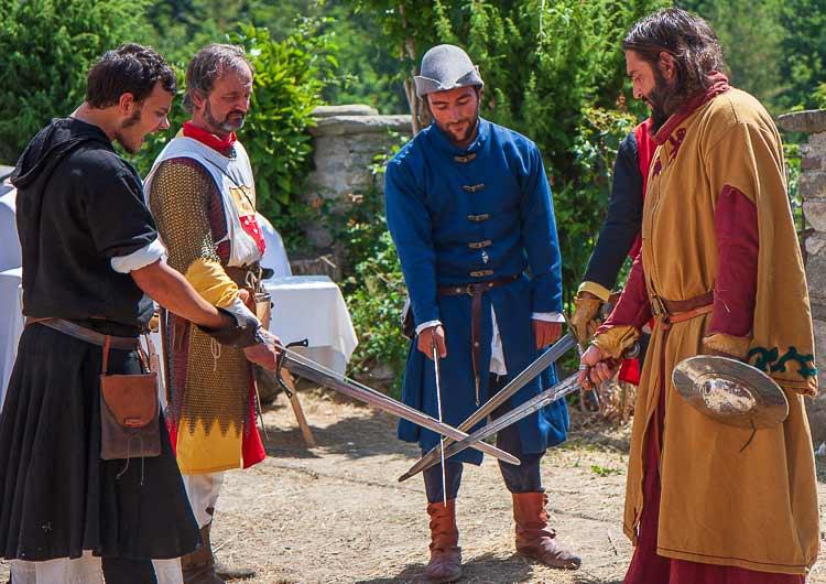 medieval swordsmen