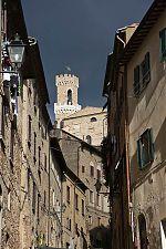 volterra italy clock tower palazzo dei priori