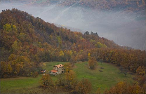 foggy fall weather in Italy