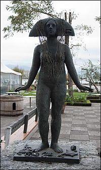 statue in Bocca di Magra, Italy