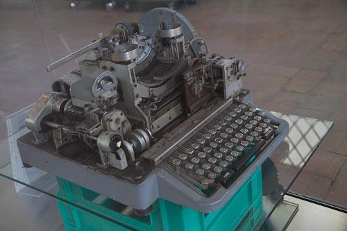 musollini typewriter