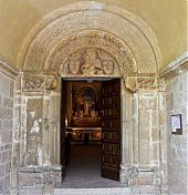 santa croce abbey door picture