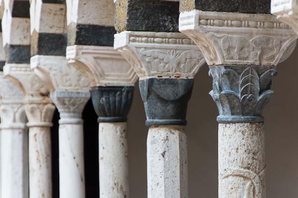 torri cloister columns detail picture