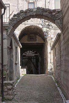 castelvecchio calvisio historic center