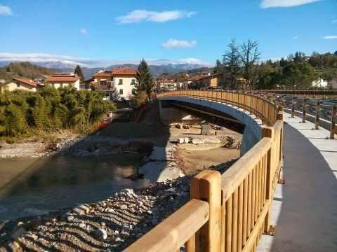 bridge walkway picture