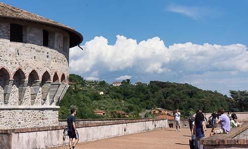 sarzanello-castle