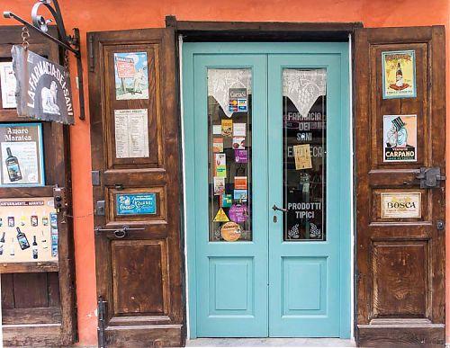 la farmacia bar picture