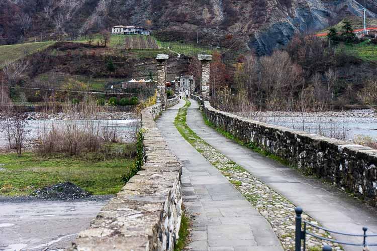bobbio bridge picture