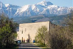 abruzzo monastery picture