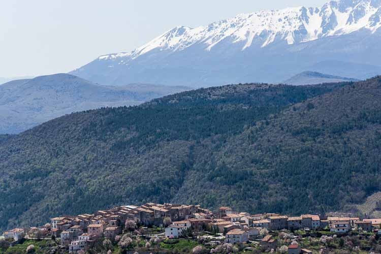 Abruzzo Map and Travel Guide Wandering Italy