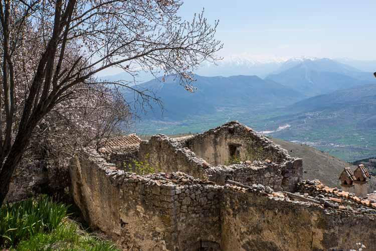 village ruins picture