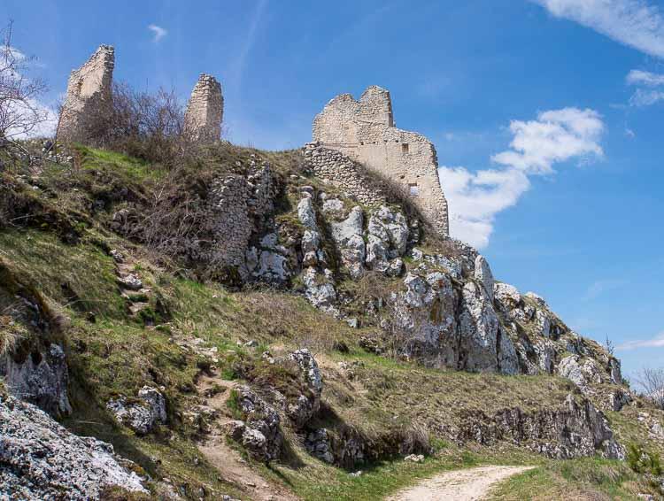castle ruins picture