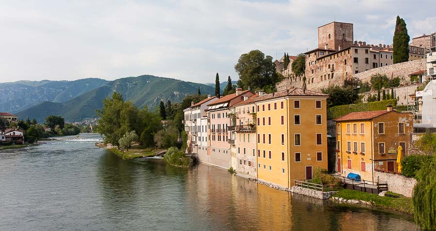 Bassano del grappa map and guide wandering italy for Arredamento bassano del grappa