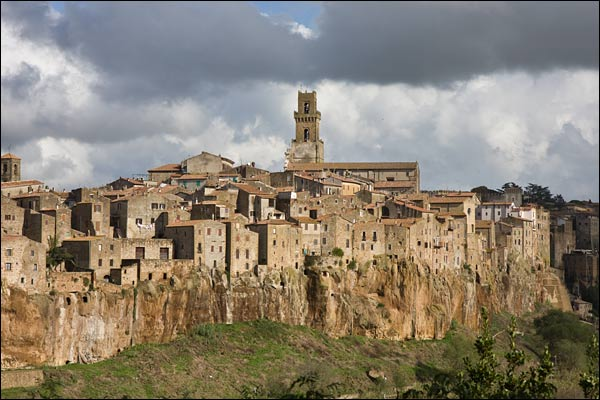 Pitigliano Map & Travel Guide