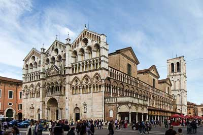 Ferrara Map and Travel Guide Wandering Italy